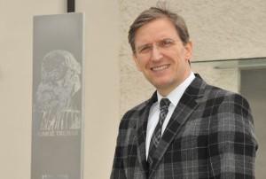 Dr. Daniel Brkič